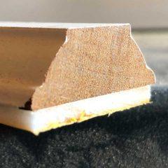 geprofileerde houten roede met kraal